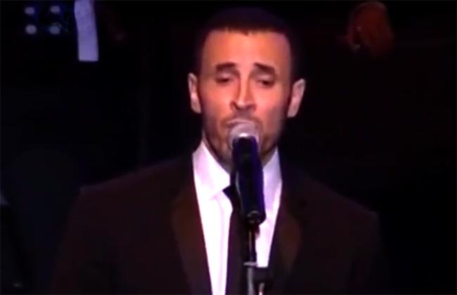 اداء اسطوري لكاظم الساهر لاغنية علمني حبك حفلة بيت الدين 2009